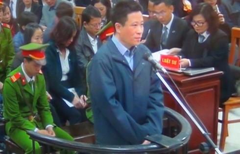 Hà Văn Thắm - cựu Chủ tịch OecanBank trong ngày đầu xét xử