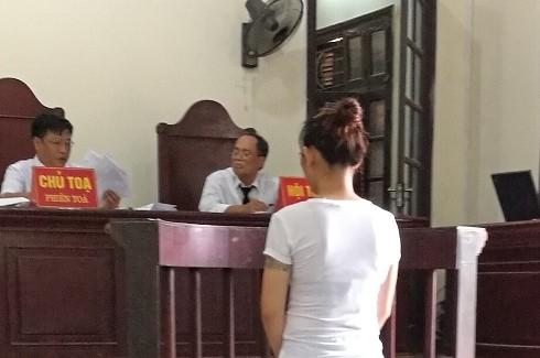 Bị cáo Lê Thị Trang tại phiên tòa