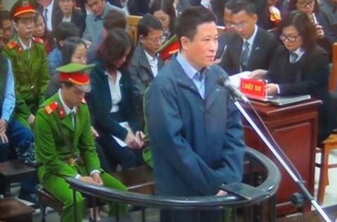 Hà Văn Thắm tại phiên tòa hồi đầu năm 2017