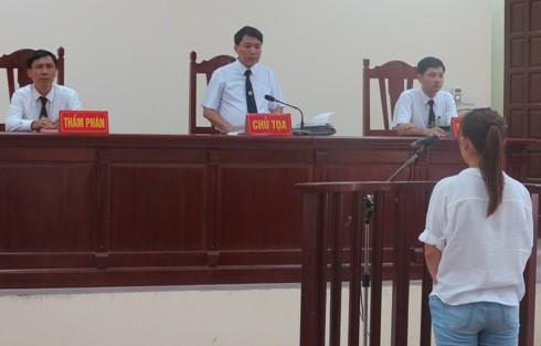 Phiên tòa phúc thẩm xử Lê Thị Trang do Thẩm phán Nguyễn Mạnh Hùng làm chủ tọa