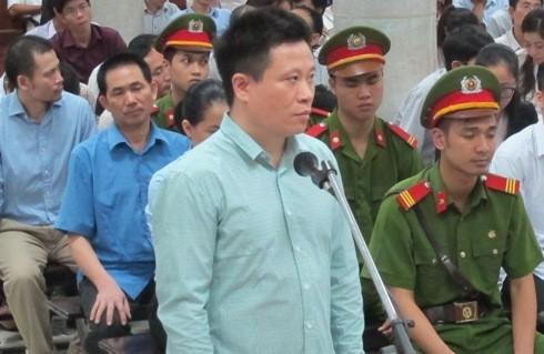 Tại tòa, Hà Văn Thắm - cựu Chủ tịch Oceanbank liên tục phải xác nhận
