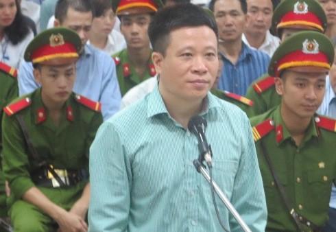 Cựu Chủ tịch Oceanbank - Hà Văn Thắm tự bào chữa trước tòa
