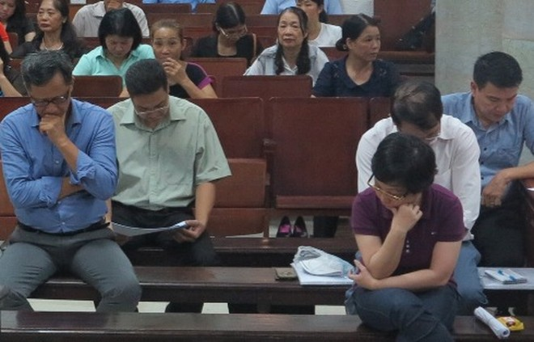 Bị cáo Châu Thị Thu Nga cùng đồng phạm ở ngày thứ bảy xét xử vụ án