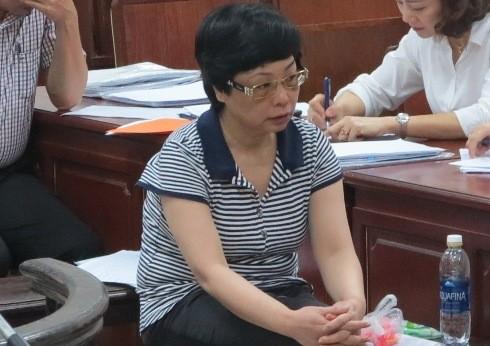 Cựu ĐBQH Châu Thị Thu Nga trong lúc đồng phạm nói lời sau cùng