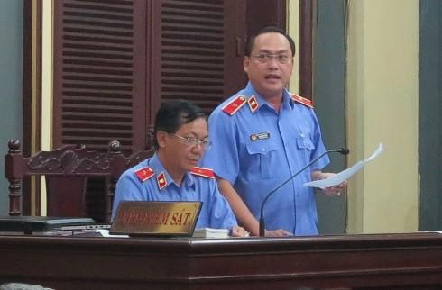 Đại diện VKSND Cấp cao tại TP HCM giữ quyền công tố tại phiên xử