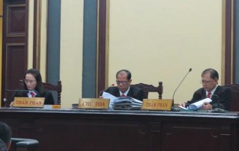 HĐXX vụ án gồm 3 Thẩm phán của TAND Cấp cao tại TP HCM