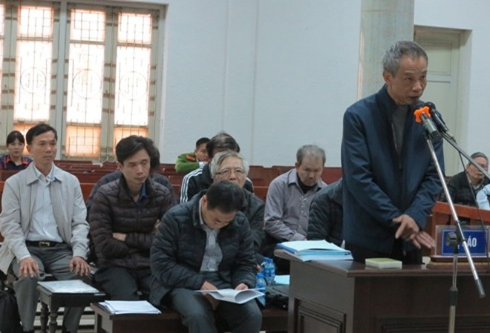 Bị cáo Trần Cao Bằng tự bào chữa trước tòa