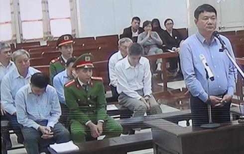 Bị cáo Đinh La Thăng và đồng phạm tại phiên tòa