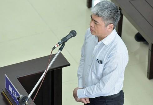 Nguyên Tổng giám đốc Oceanbank Nguyễn Xuân Sơn trả lời thẩm vấn tại tòa
