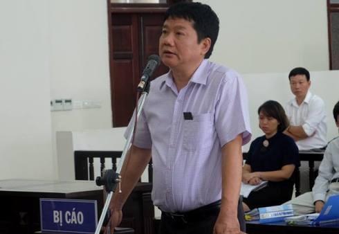 Bị cáo Đinh La Thăng - nguyên Chủ tịch PVN tự tranh luận, bào chữa tại phiên tòa.