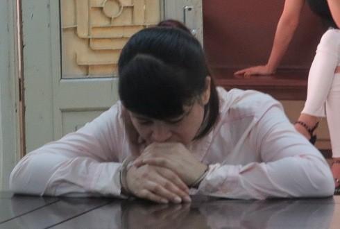 Nữ giảng viên rởm Nguyễn Thị Chinh bị đưa ra xét xử tại phiên tòa.