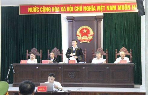 HĐXX sơ thẩm vụ án do Thẩm phán Trần Nam Hà làm chủ tọa.