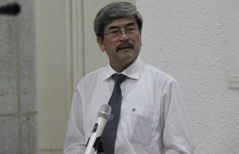 """Luật sư Nguyễn Huy Thiệp đề nghị HĐXX xem xét thấu đáo tội """"Nhận hối lộ"""" đối với bị cáo Trần Trung Chí Hiếu."""