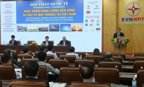 """Toàn cảnh Hội thảo """"Phát triển năng lượng bền vững và bảo vệ môi trường tại Việt Nam"""""""
