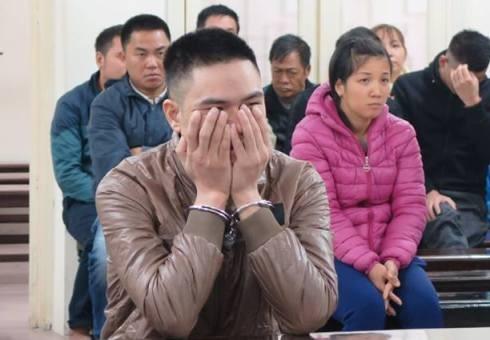 Phạm Văn Tư tại phiên tòa.