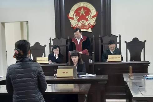 Phiên tòa xét xử bị cáo Nguyễn Thị Mai Hoa.