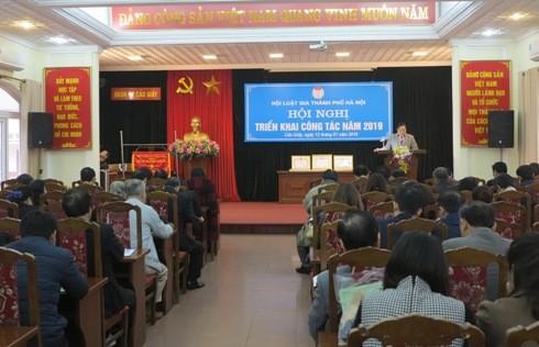Hội viên Hội Luật gia TP Hà Nội tham dự Hội nghị Tổng kết năm 2018 và triển khai phương hướng, nhiệm vụ năm 2019, ngày 12-1.