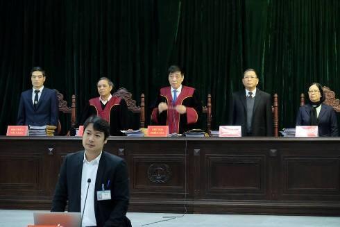 HĐXX vụ án do Thẩm phán Đào Bá Sơn (giữa) làm chủ tọa