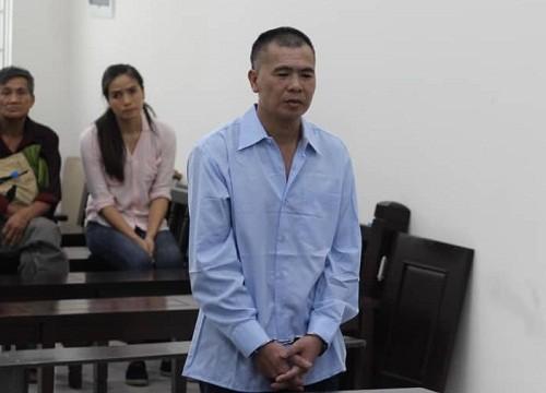 Lê Văn Hiển bị đưa ra xét xử tại phiên tòa.