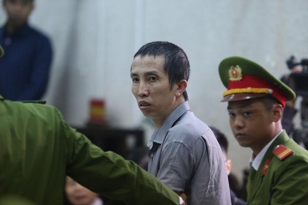 Bị cáo Bùi Văn Công, một trong những đối tượng bắt giữ, cưỡng hiếp và sát hại nữ sinh giao gà.