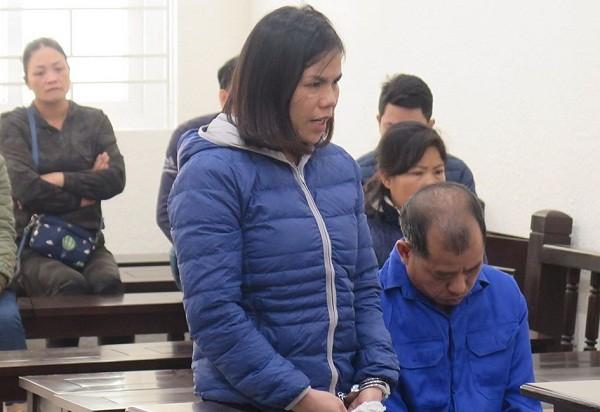 Cặp đôi buôn ma túy bị đưa ra xét xử tại phiên tòa.