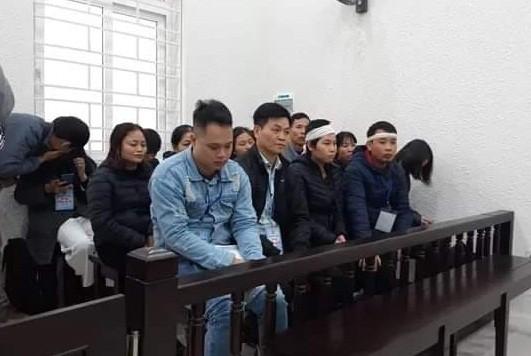 Người thân của gia đình bị hại tại phiên tòa.