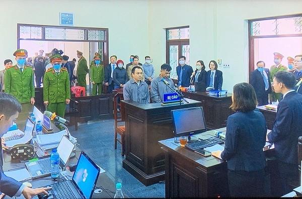 Phiên tòa xét xử hai lái xe ô tô gây tai nạn trên cao tốc Hà Nội - Thái Nguyên