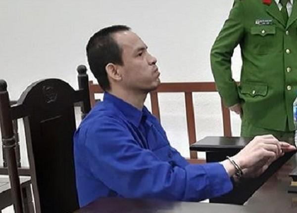 Giáp Văn Hạnh bị đưa ra tòa xét xử.