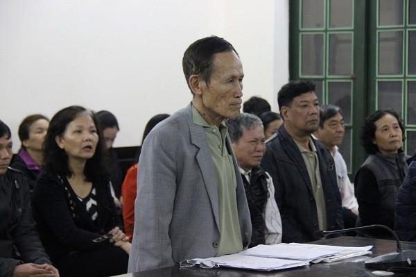 """Bị cáo Nguyễn Thế Hiệp (tức Hiệp """"khùng"""") tại phiên tòa."""