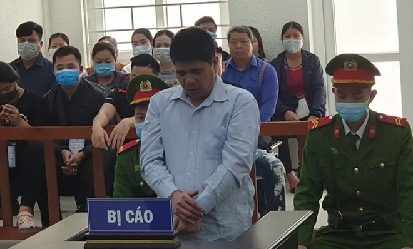 Phạm Văn Huân bị đưa ra tòa xét xử và phải nhận mức án cao nhất.