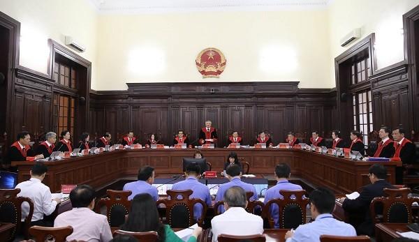 Hội đồng Thẩm phán TAND Tối cao do Chánh án TAND Tối cao Nguyễn Hòa Bình làm chủ tọa.