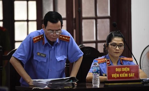 Đại diện Viện KSND tỉnh Thái Nguyên tranh luận tại phiên tòa phúc thẩm.