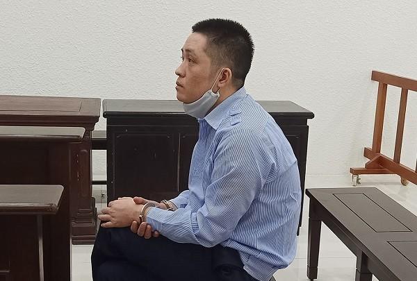 Nguyễn Văn Trường bị đưa ra tòa xét xử.