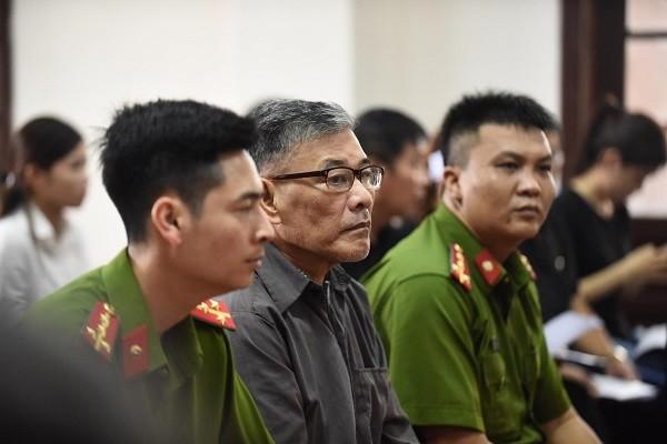 Bị cáo Bùi Xuân Hồng tại phiên tòa.