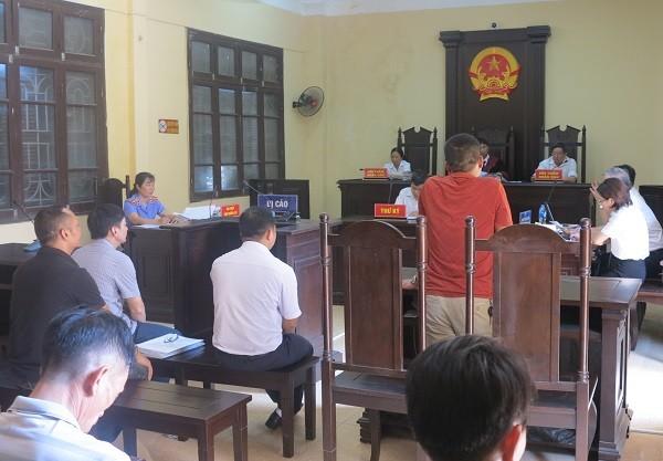 Phiên tòa sơ thẩm lần 2, xét xử bị cáo Nhâm và đồng phạm.