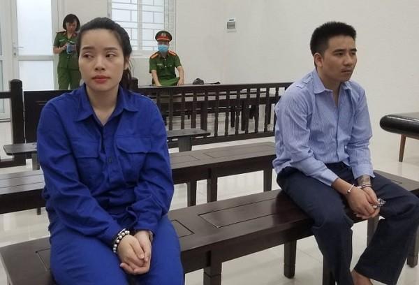 Cặp vợ chồng tàng trữ ma túy bị đưa ra xét xử tại phiên tòa.