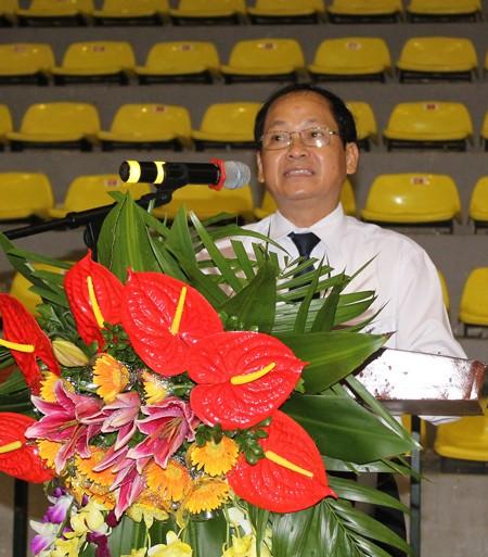 Đồng chí Trần Văn Khương, Thành ủy viên, Bí thư Huyện ủy, Chủ tịch HĐND huyện Thanh Trì biểu dương và tin tưởng các tân binh sẽ phát huy tốt truyền thống bộ đội Cụ Hồ.