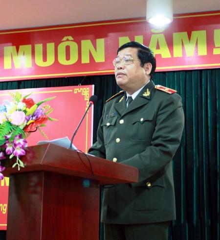 Thiếu tướng Lưu Quang Hợi, Phó Bí thư Đảng ủy, Phó giám đốc CATP phát biểu khai mạc lớp tập huấn Điều lệnh, huấn luyện quân sự, võ thuật 2016 diễn ra vào sáng nay, 7-3