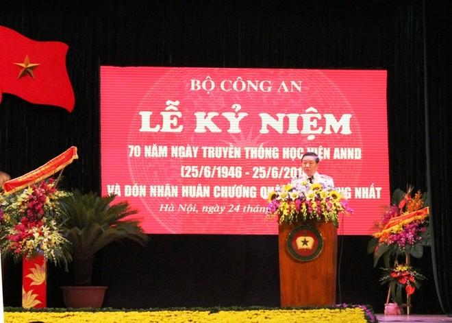 Thượng tướng Tô Lâm, Ủy viên Bộ Chính trị, Bộ trưởng Bộ Công an phát biểu tiếp thu ý kiến của Chủ tịch nước Trần Đại Quang