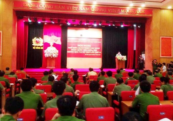 Hội nghị với sự tham gia đông đảo các đại diện lãnh đạo các Tổng cục, Cục, Vụ (thuộc Bộ Công an) và lãnh đạo Công an các tỉnh, thành trong nước