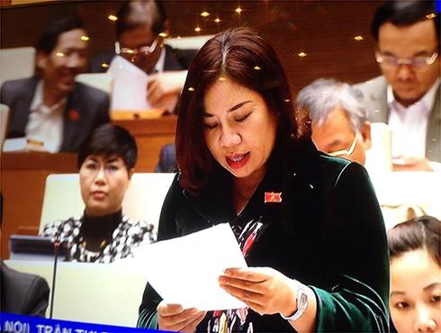 Đại biểu Quốc hội Trần Thị Hiền phát biểu tại phiên thảo luận về Dự án Luật TGPL (sửa đổi)
