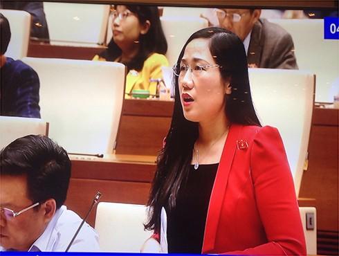 ĐBQH Nguyễn Thị Thuỷ phát biểu thảo luận tại hội trường Quốc hội về Dự án Luật trách nhiệm bồi thường của Nhà nước (sửa đổi)