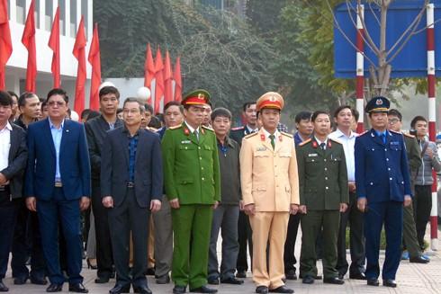 Nhiều đại diện cơ quan ban ngành tham dự lễ ra quân