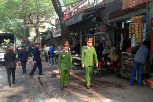 Tại phố Núi Trúc phường Kim Mã, dù người dân sống hai bên đường chủ yếu là kinh doanh nhưng chấp hành khá tốt
