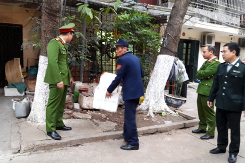 Trước khi ra quân xử lý, lực lượng chức năng đã tổ chức tuyên truyền đến người dân