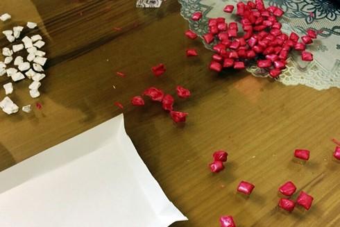 Qua giám định, 229 gói ma túy thu giữ của Thúy có trọng lượng 13,110g