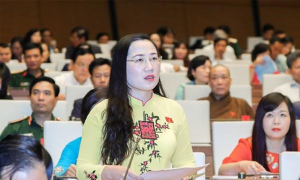 ĐBQH Nguyễn Thị Thỷ - tỉnh Bắc Kạn phát biểu ý kiến