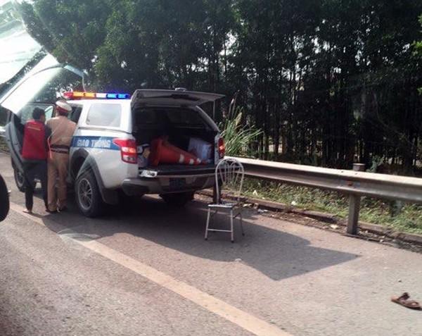 Tổ công tác thuộc Phòng 10 Cục CSGT làm việc trên tuyến cao tốc Hà Nội - Thái Nguyên