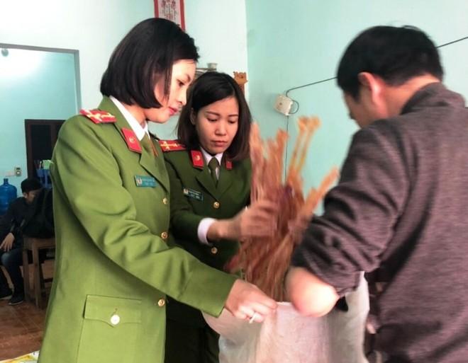 Tại thời điểm kiểm tra, lực lượng chức năng thu giữ gần 1 tấn gân trâu, bò đã được cơ sở của Nguyễn Năng Ngọc tẩy trắng, phơi khô chuẩn bị đưa ra thị trường bán cho người tiêu dùng