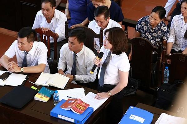 Luật sư Hương cho rằng Công ty Thiên Sơn không phải bồi thường dân sự cho 9 gia đình nạn nhân mà trách nhiệm này thuộc về Bệnh viện đa khoa tỉnh Hòa Bình